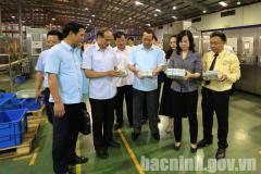 Provincial leaders work with Vinasoy Bac Ninh Soymilk Factory