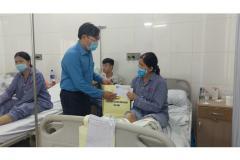Công đoàn các khu công nghiệp Bắc Ninh thăm hỏi công nhân lao động công ty Foseca - Khu công nghiệp VSIP Bắc Ninh bị tai nạn giao thông